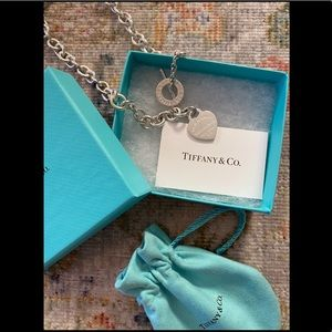 🆕TIFFANY & CO. Authentic Heart Toggle Necklace